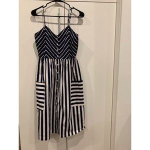 Dresses & Skirts - blue and white casual dress